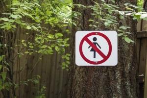 địa điểm ban hành lệnh cấm với phụ nữ