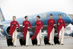 Nữ tiếp viên hàng không nổi tiếng nhất mạng xã hội Việt Nam