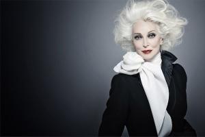 Người mẫu già nhất của thời trang thế giới