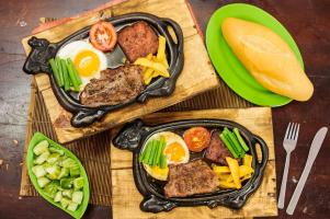 Quán bánh mì ngon nổi tiếng tại Hà Nội
