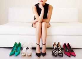 Tác hại của việc đi giày cao gót bạn nên biết