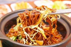 Món cay Hàn Quốc khiến giới trẻ