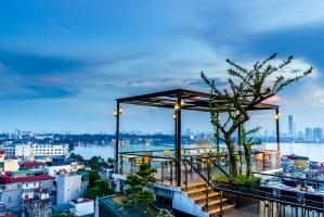 Quán cà phê view đẹp nhất ở Hồ Tây lộng gió