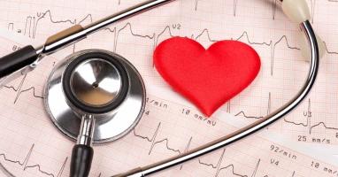 Bác sĩ khám và điều trị bệnh tim bẩm sinh cho trẻ giỏi tại Hà Nội