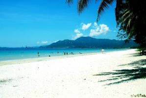 Bãi biển đẹp nhất Nha Trang bạn không thể bỏ qua