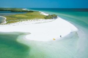 Bãi biển đẹp nhưng nguy hiểm nhất thế giới
