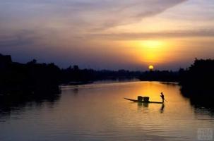 Bài thơ hay viết về con sông quê hương