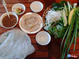 Quán bánh tráng cuốn thịt heo ngon bậc nhất Đà Nẵng
