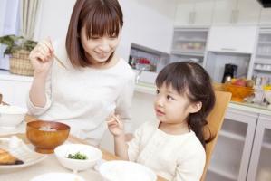 Bí quyết dạy con cực hay của cha mẹ Nhật