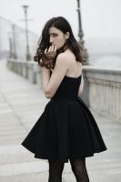 Bí quyết diện gam đen giúp bạn trông quyến rũ và sang chảnh nhất