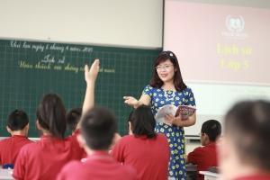 Biện pháp giúp học sinh tiểu học tập trung nghe giảng và không nói chuyện riêng