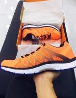 đôi giày sneaker được săn đón