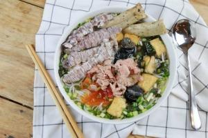 Quán ăn ngon tại phố Lương Đình Của - Hà Nội