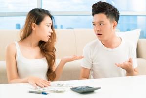Việc tế nhị vợ không nên làm trước mặt chồng