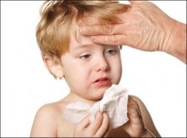 Triệu chứng ốm vặt bố mẹ nên đưa trẻ đi khám ngay