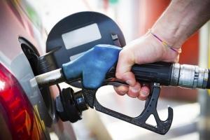 Cách chạy xe ô tô tiết kiệm xăng tối đa phù hợp nhất