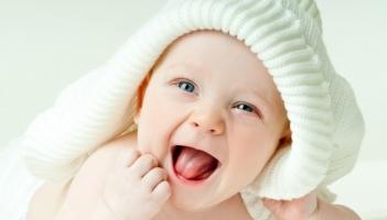 Cách hạ sốt cho trẻ nhỏ khi đi tiêm phòng