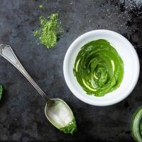 Cách làm mặt nạ đơn giản từ bột trà xanh