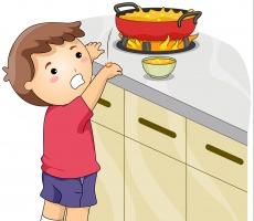 Cách xử lí hiệu quả nhất khi trẻ bị bỏng