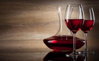 Chai rượu vang đắt nhất trên thế giới hiện nay