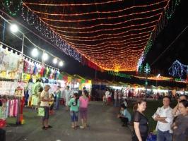 Chợ đêm đồ giá rẻ tại Hà Nội