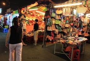 địa điểm mua sắm quần áo giá rẻ ở Hồ Chí Minh