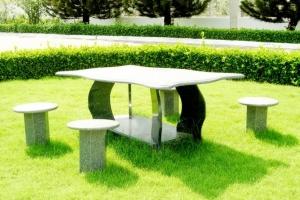 địa chỉ cung cấp bàn ghế đá uy tín chất lượng tại TPHCM