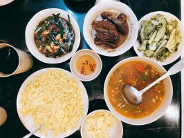 địa chỉ ăn đông khách bậc nhất trên phố Tống Duy Tân