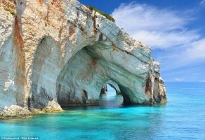 Cổng vòm trên biển đẹp nhất thế giới