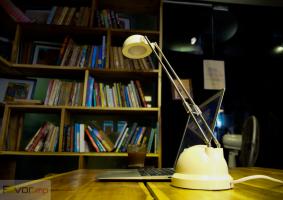 đèn bàn học được yêu thích nhất hiện nay