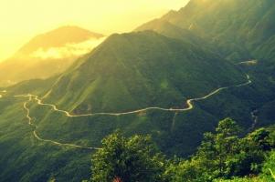 Cung đèo tuyệt đẹp nhưng hiểm trở nhất Việt Nam