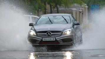 Lưu ý cần thiết nhất cho lái xe ô tô ngày mưa bão