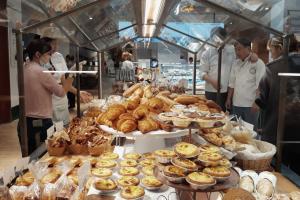 địa chỉ ăn ngon nhất trên phố Huế - Hà Nội