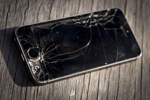 Địa chỉ ép kính, thay màn hình iPhone chính hãng uy tín nhất tại Đà Nẵng