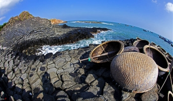 địa điểm  không nên bỏ lỡ khi đến với xứ sở hoa vàng Phú Yên