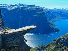 địa điểm du lịch hấp dẫn du khách nhất trên Thế Giới