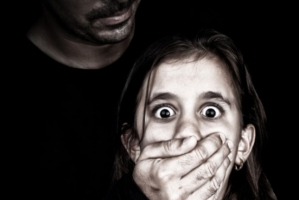 Điều nên biết để bảo vệ con bạn khỏi ấu dâm