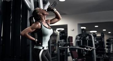 đồ uống không nên dùng trước khi đi tập gym