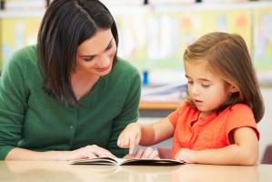 Bí quyết  dạy con vâng lời cho bố mẹ trẻ
