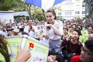 Nghệ sĩ Việt Nam thường âm thầm làm từ thiện nhất
