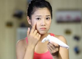 Loại kem trị mụn dược mỹ phẩm an toàn và hiệu quả nhất hiện nay