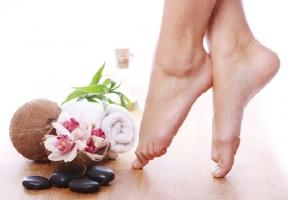 Kem trị nứt gót chân tốt nhất hiện nay