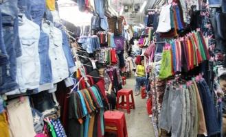 Khu chợ bán quần áo rẻ, chất lượng tại TPHCM