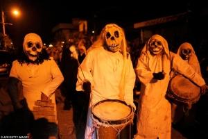 Kiểu hóa trang Halloween kinh dị nhất