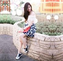 Kiểu mix đồ giày thể thao với váy hợp mốt nhất cho phái đẹp