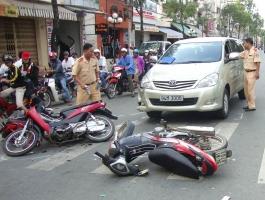 Kinh nghiệm lái xe máy an toàn bạn nên biết