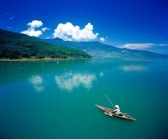 Làng chài trên cung đường ven biển của Việt Nam