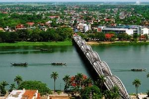 Lí do khiến bạn nên đến thăm thành phố Huế