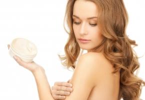 Loại body lotion dưỡng trắng thấm nhanh không nhờn rít