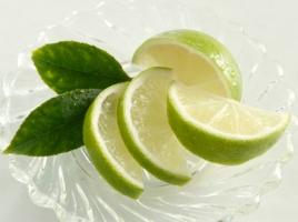 Loại nước rửa mặt giảm nám và tàn nhang